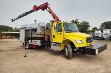 Palfinger DOT knuckle boom truck with storage and outriggers