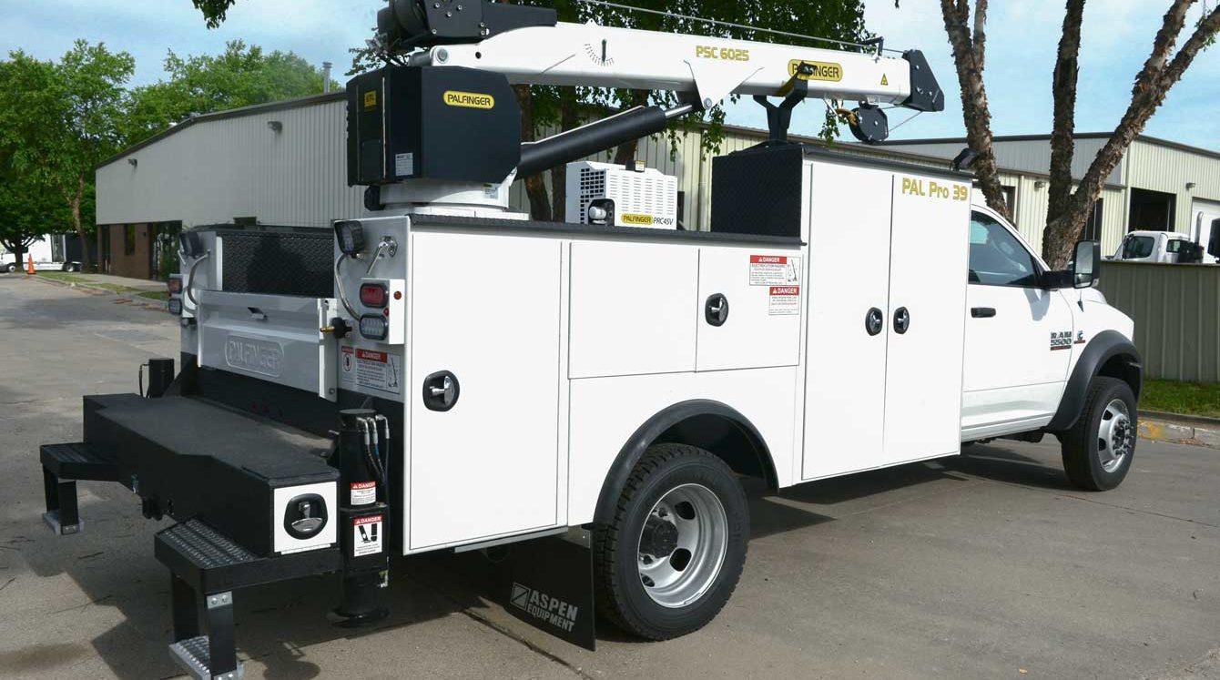 Palfinger PAL Pro 39 mechanic truck with service crane, workbench bumper, and air compressor