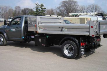 SL105 SwapLoader with 10,500 lbs. capacity and Henderson contractor body