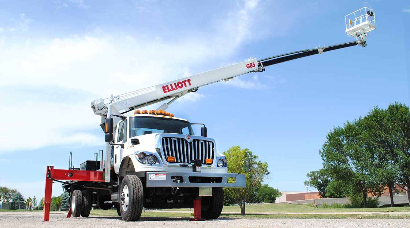 Elliott 85 ft material handling aerial with rotating work platform