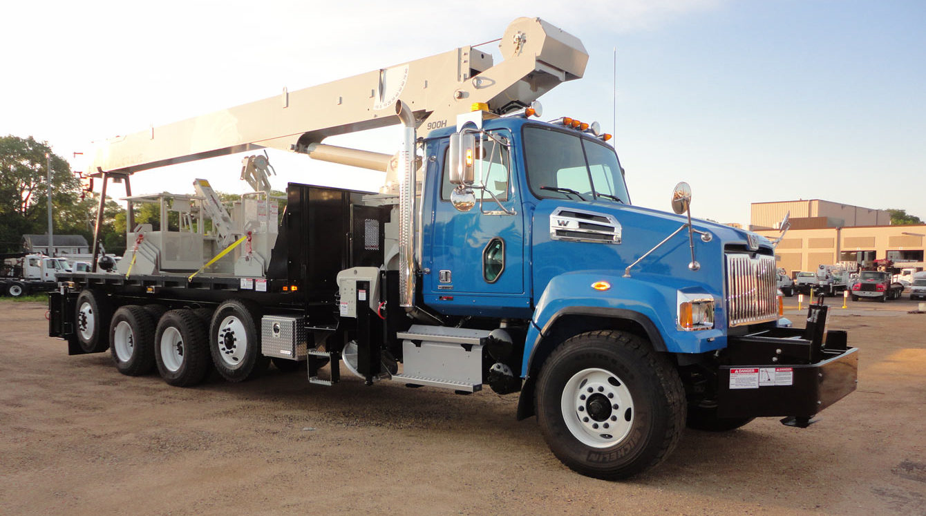National 900 series crane, 23 ton capacity, 103 ft hydraulic boom, radio remotes and personnel platform