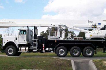 Bronto S-XDT 200' non-insulated aerial device, 1,500 lb platform capacity