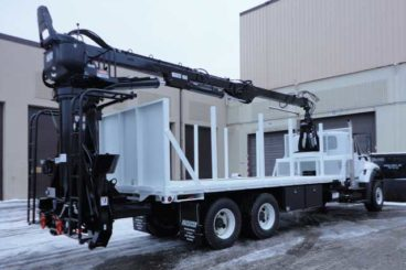 Serco 160 material loader, 16,000 lbs capacity, 29 ft tele-boom with bypass log grapple