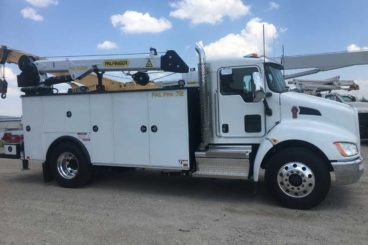 PAL Pro mechanics truck with Palfinger service crane, air compressor and accessories