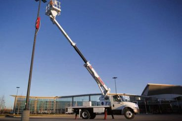 Elliott 50 ft 46kV rated aerial work platform with jib/winch