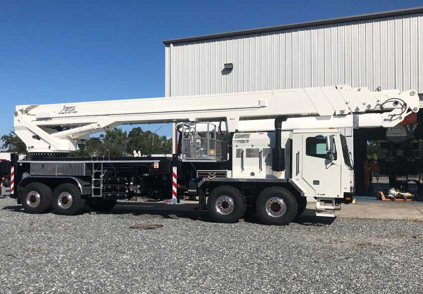 Versalift 37 ft insulated aerial device with utility body