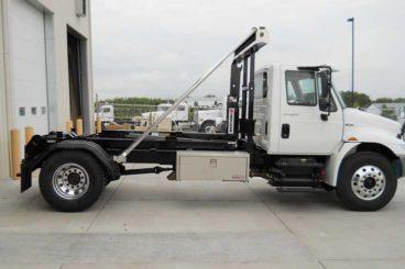 SL-222 11 ton SwapLoader hooklift