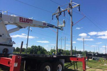 Elliott H110 hi-reach lifting equipment