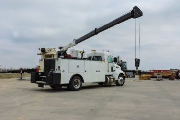 Palfinger Pal Pro 72 with Peterbilt chassis mechanic crane truck